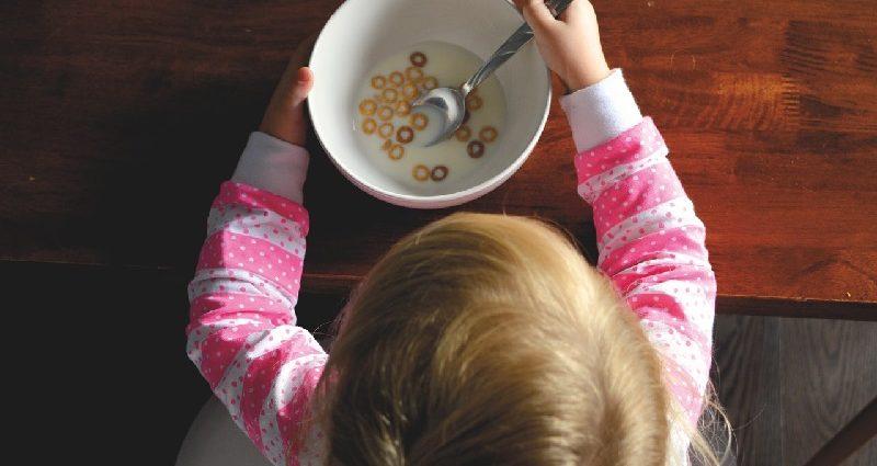 деца и појадок